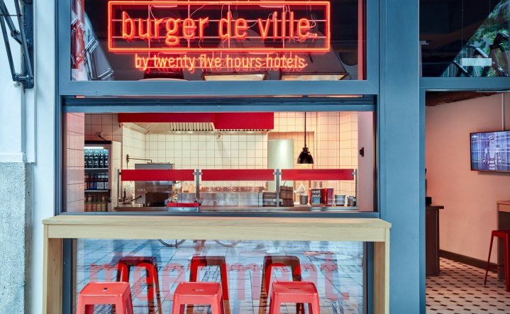restaurants bar in m nchen neni m nchen boilerman bar burger de ville. Black Bedroom Furniture Sets. Home Design Ideas
